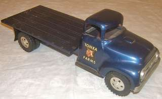 Farms pressed steel stake bed farm truck toy 1950s NR lot