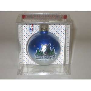 MINNESOTA TIMBERWOLVES (2 5/8 In Diameter) Multi Color CHRISTMAS