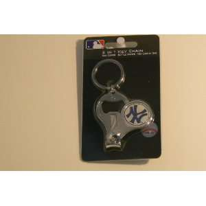 MLB New York Yankees 3 in 1 Key Chain Ring