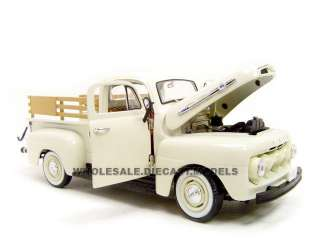 1952 FORD PICKUP WHITE W/TOOLS 124 DIECAST MODEL
