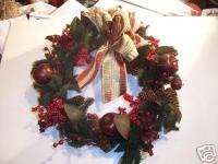RED APPLE & BERRY PINE CONE CHRISTMAS WREATH DECORATION