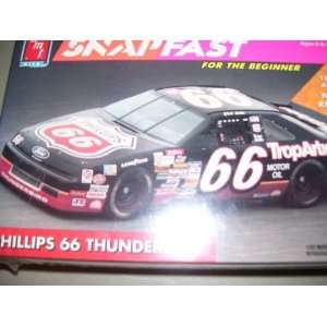 NASCAR Phillips 66 Ford Thunderbird 1992 Model Kit Toys & Games